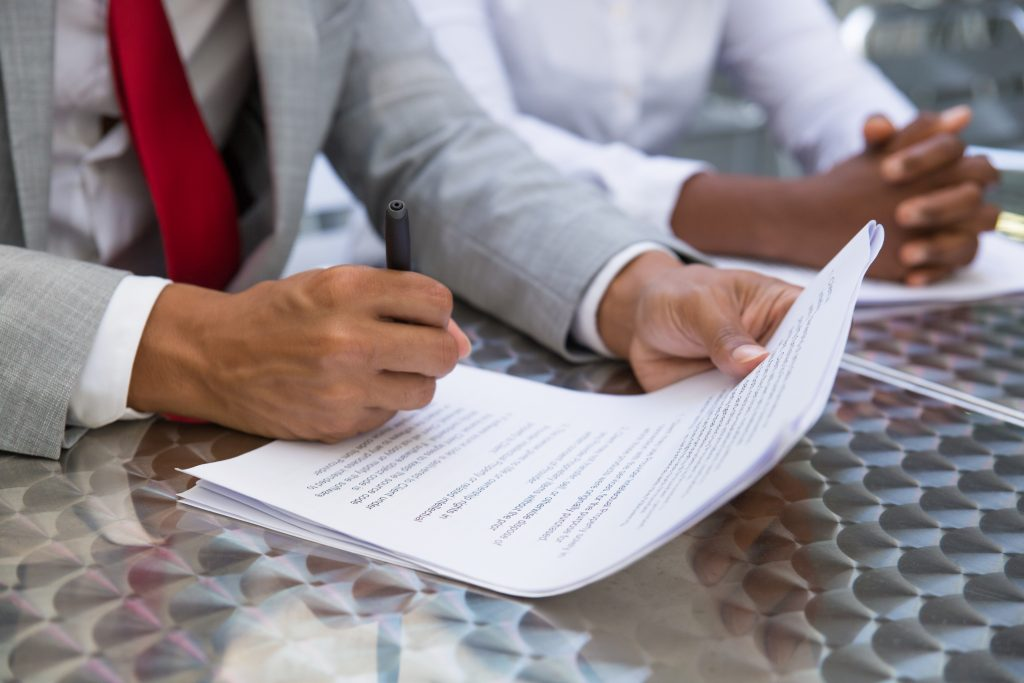 English to Arabic Contract Translation Services